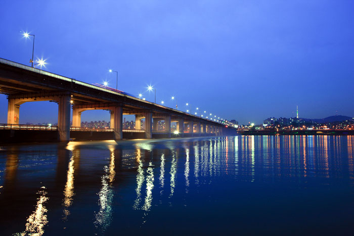 Banpo-Bridge-700